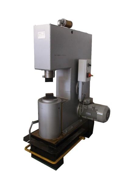 2000 K/CF40 Luftschmiedehammer