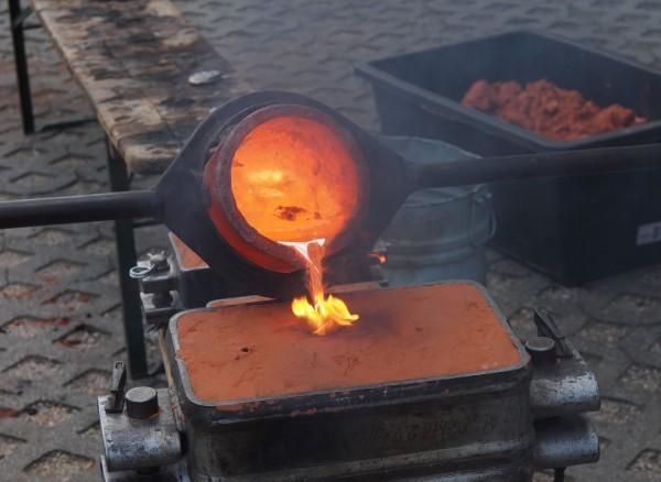 Kurs Metallgießen mit Volker Allexi